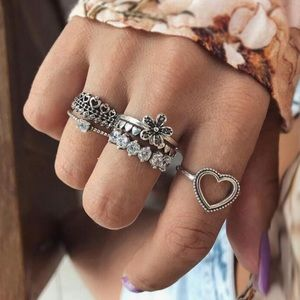 Jewelry - Love ♡ Rings Set